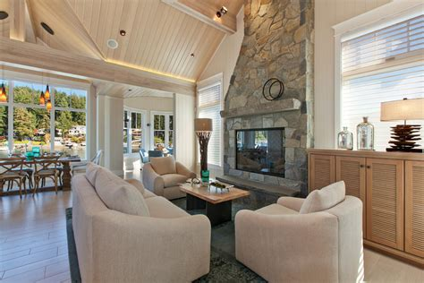 Phenomenal-cape-cod-style-house-decorating-ideas-for
