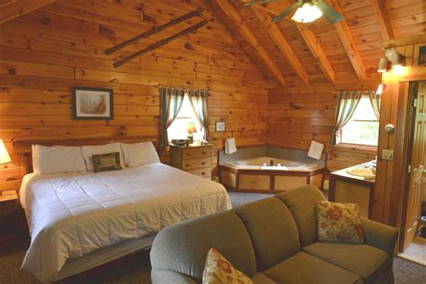 country jacuzzi log cabin  england inn lodge