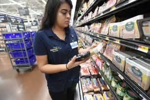 wal mart tests  food stamp plan