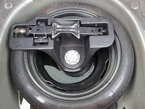 Galette De Secours : achat voiture roue galette toyota auris ~ Melissatoandfro.com Idées de Décoration