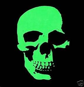 AWESOME NEON GREEN SKELETON SKULL GOTHIC T SHIRT XT39