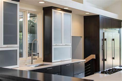 mullet cabinet sleek simple modern kitchen