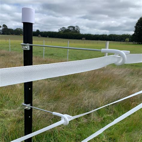 When looking for electric fence insulators, there are a lot of variables. Electric Fence Pigtail Insulators 25 Pack 25cm offset | eBay