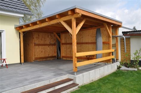 Schimmelpilz Am Holzdach Der Terrassenüberdachung