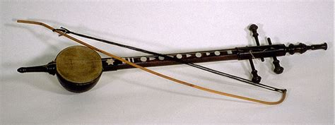 Salah satunya adalah dengan cara dipetik. Alat musik traditional Indonesia ~ Kumpulan Materi