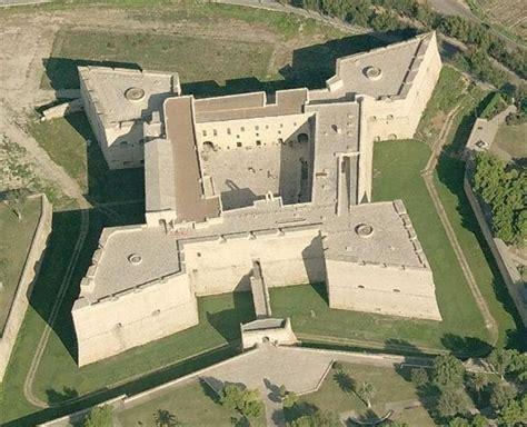 il castello svevo baldacchininet