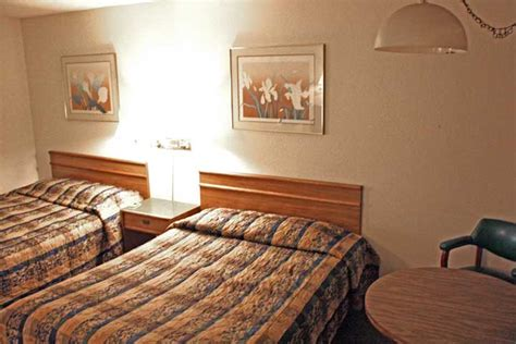 Book Motel Room, Hotel Rooms Booking In Redding, Stardust