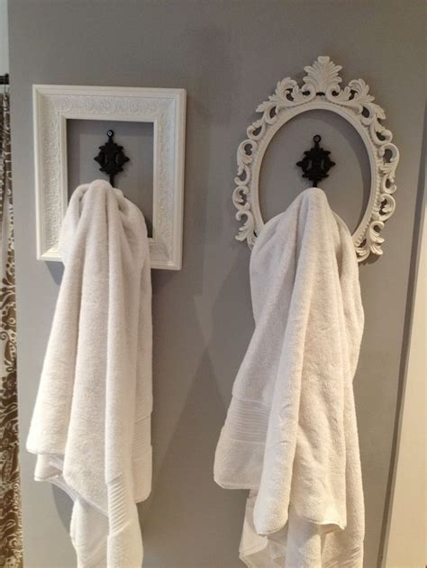 Where To Hang Towels In Small Bathroom by Best 25 Hanging Bath Towels Ideas On Towel