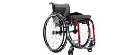 chaise roulante pliable le fauteuil roulant pliable destiné aux voyageurs
