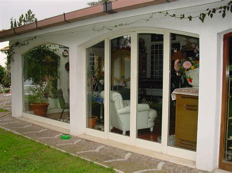 verande da terrazzo balcone con veranda