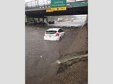 Cars Trudge Through Detroit Flooding, Ford Focus ST