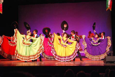 actualit 233 s mouscron comines l quot 233 cole de danse mexicaine 224