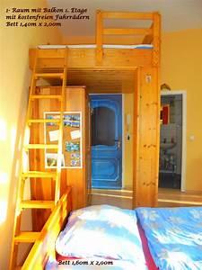 Halbe Sonnenschirme Für Balkon : 1 raum zimmer ferienwohnung marlene mit balkon in ~ Lizthompson.info Haus und Dekorationen