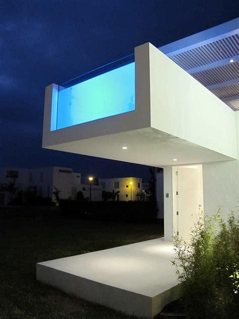modern beach house  peru  overhang pool casa playa