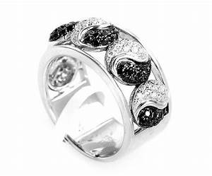 top 10 alternatives to a traditional diamond engagement ring With yin yang wedding rings