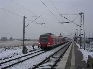 S Bahn Düsseldorf : die s 11 von bergisch gladbach nach d sseldorf flughafen terminal wird von triebwagen der baure ~ Eleganceandgraceweddings.com Haus und Dekorationen