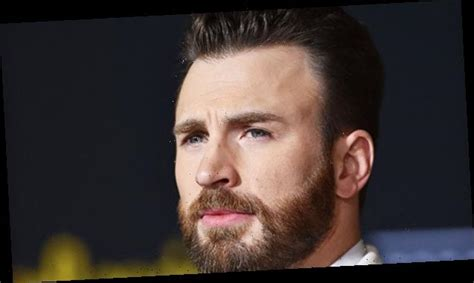 Chris Evans Admits Private Photo Leak Was 'Embarrassing ...