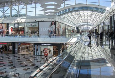 top  spots  shopping  granada youll   check