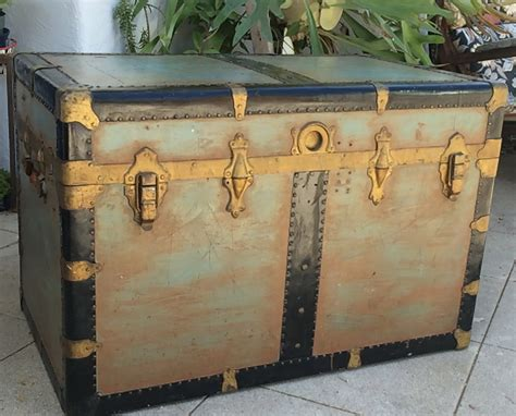 vintage xl steamer trunk coffee table steampunk storage trunk trunk coffee table flat top trunk