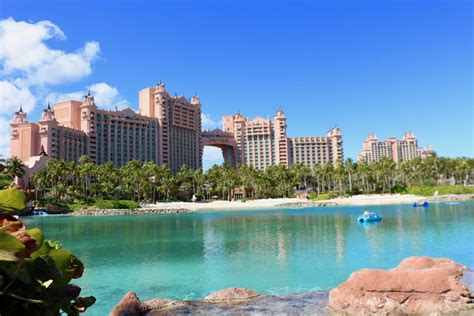What to Pack for Atlantis Bahamas | Pursuing Pretty