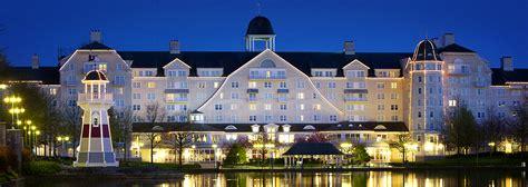chambre hotel disney rénovations du disney 39 s newport bay disneyland