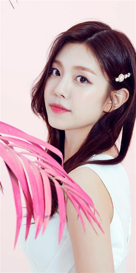 Gowoon 4K Wallpaper, Berry Good, Korean singer, K-Pop ...