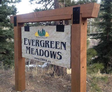 The 25+ Best Outdoor Business Signs Ideas On Pinterest