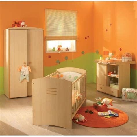 chambre bébé bébé 9 décoration chambre orange et vert