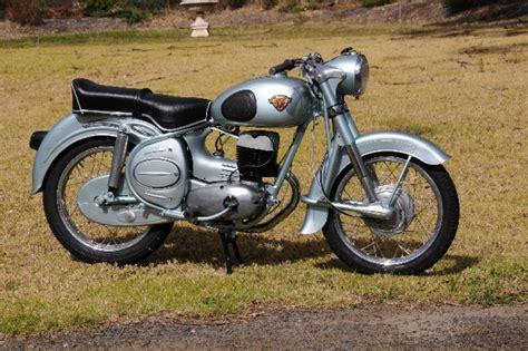 Custom, Classic & Vintage Motorcycle Painting, Spray