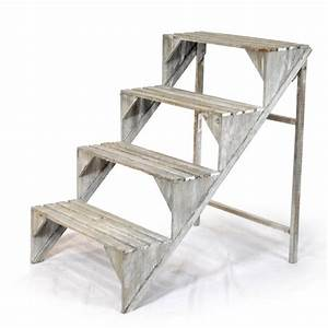 Outdoor Wooden Plant Stands - WoodWorking Projects & Plans