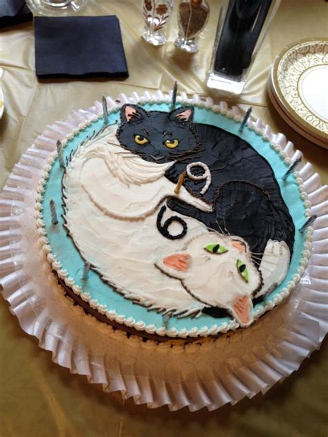 It was absolute torture to cut into! Cat Cakes - Decoration Ideas | Little Birthday Cakes
