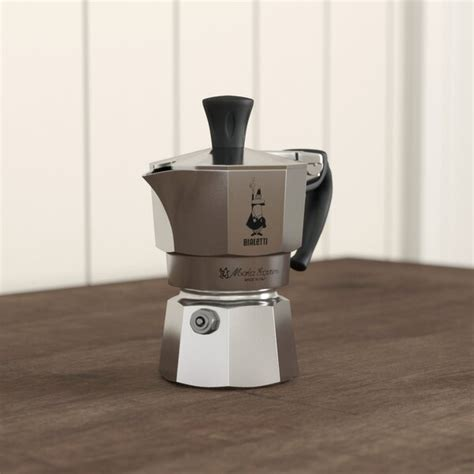 Bialetti 3 cup moka express. Bialetti Moka Express Coffee Maker & Reviews