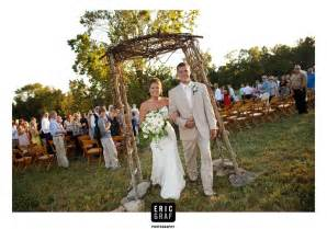 farm wedding lorene 39 s simply place empty and black journals on the table so that your guests