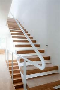 Handlauf Für Treppe : freitragende treppe 40 moderne designideen ~ Michelbontemps.com Haus und Dekorationen