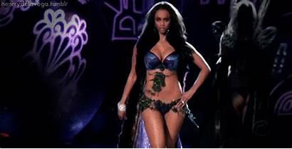 Tyra Banks Gifs Runway Victoria Secret She