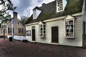Colonial Williamsburg Jewelry Store At Dusk Editorial ...