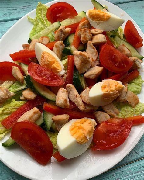Dārzeņu salāti ar vistas filejas gaļu - INSTA receptes ...