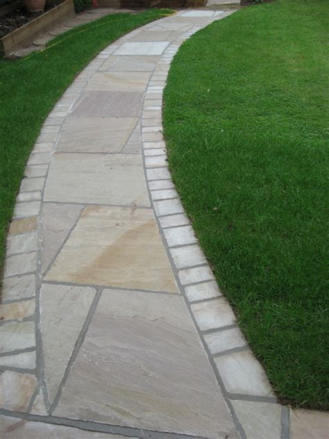 curved garden path 1000 images about garden ideas on pinterest circular patio tree seat and bistro set