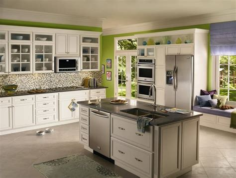 black and green kitchen ideas modele creative si moderne de bucatarii cu insula kiwistudio 7833