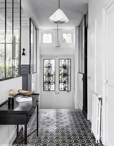 Carreaux De Ciment Noir Et Blanc : couloir noir et blanc 5 id es pour cr er la surprise ~ Dailycaller-alerts.com Idées de Décoration