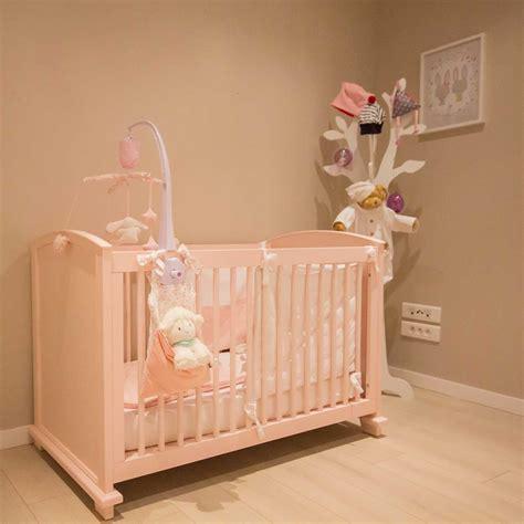 decorer une chambre bebe beau comment décorer sa chambre ravizh com