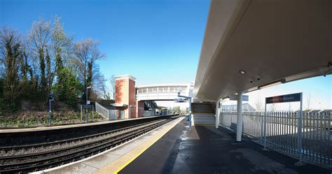 greenhithe railway station wikipedia