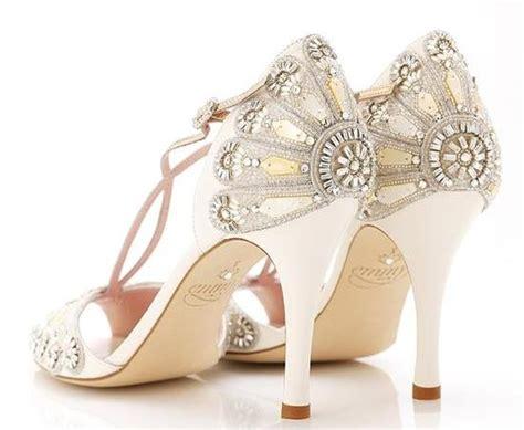wear unique bridal shoes