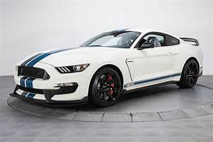 This 2020 Shelby GT350R Heritage Edition Shows Only 180 Miles - autoevolution