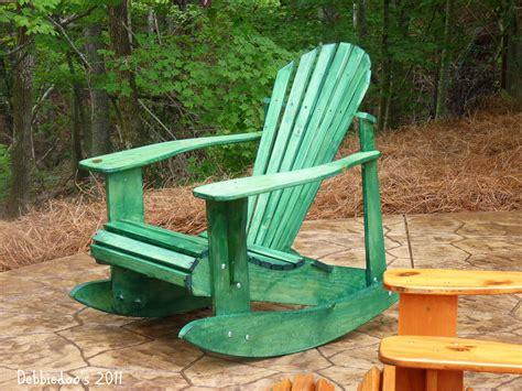 staining wood furniture  painting debbiedoos