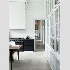 Decordots Contrasting Minimalist Kitchen Cabinets