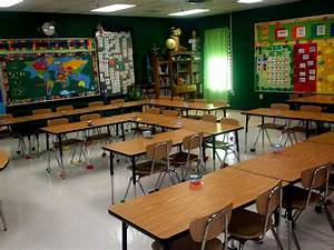 High school classroom organization: Arranging the desks