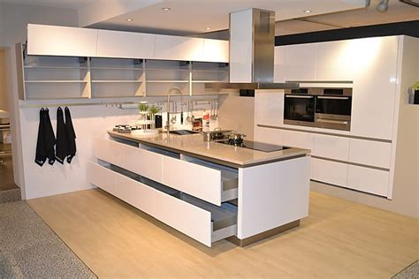 Schüllermusterküche Grifflose Designer Küche