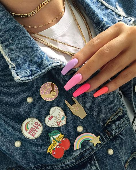 """Victoria on Instagram: """"💕📌💅🏼 nails all @flossgloss ..."""