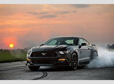 2015 Ford Mustang HPE750 by Hennessey burning rubber